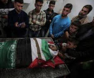 آلاف الفلسطينيين يشيعون جثمان الشهيد مروان قديح