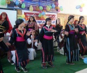 """""""وكيلة تعليم شمال سيناء"""" تشارك طلبة مدارس إدارة العريش بيوم اليتيم   ( صور  )"""