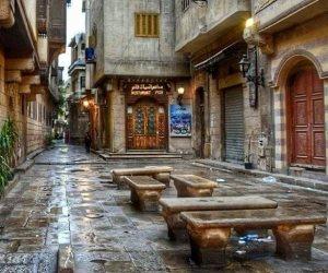 شارع البورصة بوسط القاهرة ينتظر يد الإنقاذ.. عندما أوشك الإهمال قتل كل جميل بداخله