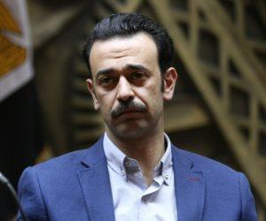 عمرو بدر يطالب «الصحفيين» بمنحة لإخواني.. والنقابة: «ده واخد شقة بـ500 ألف جنيه»