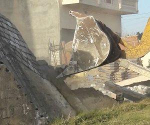 إزالة 18حالة تعدي بالطريق الزراعي شرق الإسكندرية (صور)
