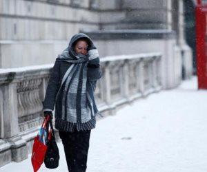 العاصفة الثلجية تضرب المكسبك وتدمر الشبكة الكهربائية ..وإغلاق 1600 مصنع ..  و 5.9 مليون شخص فى الظلام