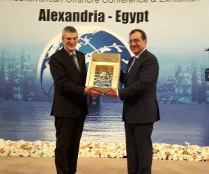 """بالصور.. جولة وزير البترول ومحافظ الإسكندرية فى المعرض الدولي """"موك 2018"""""""