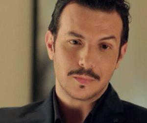 باسل خياط يخطف الأنظار فى بوستر «الرحلة710»