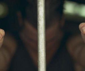 المشدد 15 عامًا لطالب بتهمة القتل في أكتور