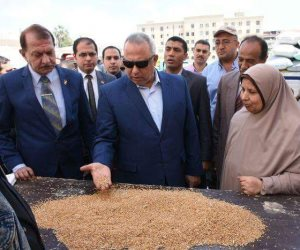 محافظ الشرقية يتفقد صوامع ههيا للاطمئنان على أعمال توريد القمح