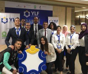 مؤسسة شباب القادة تشارك في الملتقى التوظيف والتدريب الثاني لجامعة القاهرة (صور)