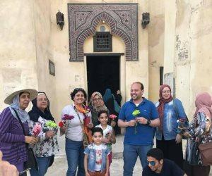 وفد سياحى متعدد الجنسيات يزور آثار فوه الإسلامية