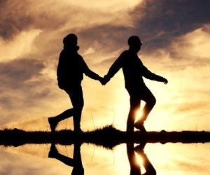 تصرفات بسيطة تدل على عدم الاهتمام إخلاصك في علاقة عاطفية
