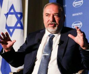 بسبب غزة.. يديعوت أحرونوت تؤكد استقالة وزير الدفاع الإسرائيلي