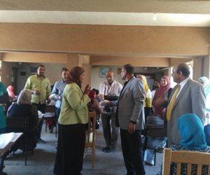 رئيس جامعة أسوان يتفقد لجان امتحانات الطب البيطرى والتمريض والزراعة (صور)