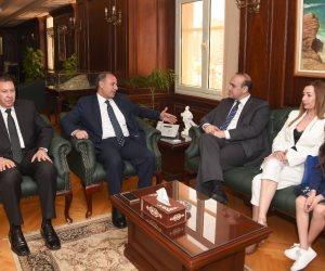 محافظ الإسكندرية يستقبل وفد مدينة باڤوس القبرصية لتعزيز التعاون بين المدينتين (صور)
