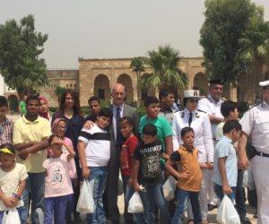 شرطة السياحة والأثار تنظم رحلة ترفيهية للأطفال الأيتام