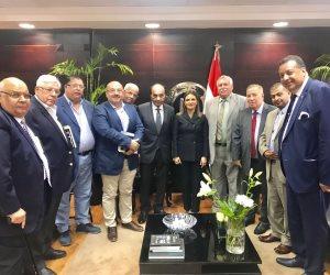 اتحاد المستثمرين يعرض على سحر نصر عقد مؤتمر موسع عن الاستثمار في مصر