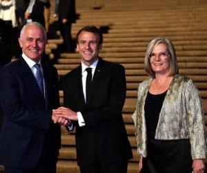 """زلة لسان.. ماكرون يشكر رئيس وزراء استراليا وزوجته """"اللذيذة"""""""