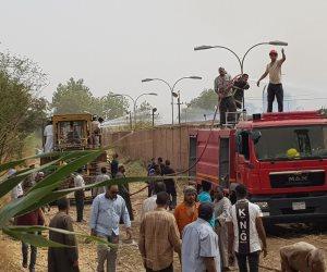 الأدلة الجنائية ترفع بصمات حريق  مصنع كوم امبو بأسوان لتحديد أسباب الحادث
