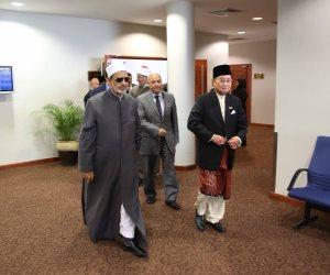 المحطة الأخيرة.. الإمام الأكبر يصل سلطنة بروناي في جولته الآسيوية