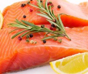 يحمي من الاكتئاب ويساعد على إنقاص الوزن.. تعرف على فوائد السمك