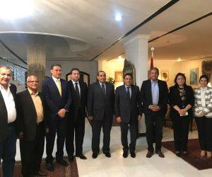 وزير الشباب يلتقي السفير المصري بالكويت