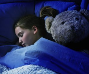 9 أسباب لإنقاص الوزن طبيعيا دون برامج رجيم.. النوم في الظلام والبعد عن الإلكترونيات