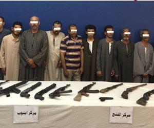 ضبط عناصر إجرامية وأسلحة نارية في حملة أمنية بأسيوط (صور)