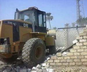 محافظ سوهاج: إزالة 13 حالة تعد على الأراضى الزراعية بمركز طهطا