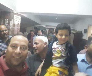 محكمة الأحداث بالبحيرة تقضى ببراءة طفل 3 أعوام من تهمة الاعتداء على زميلته (صور)