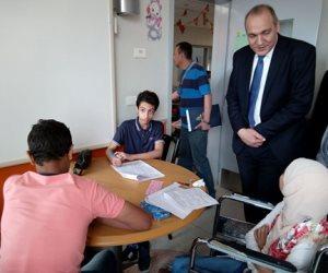 مدير تعليم القاهرة يتفقد لجان امتحانات الإعدادية بمستشفى 57357 (صور)