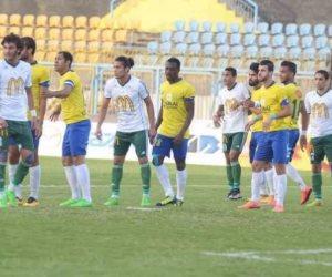 اشتباك بين لاعبي المصري البورسعيدي والإسماعيلي في الدوري (فيديو)