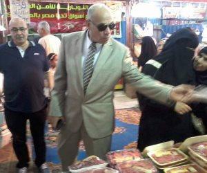 رئيس مدينة المحله يتفقد أسواق تحيا مصر ويستمع لآراء المواطنين