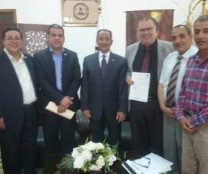 تعيين الدكتور خليل رضوان عميدا لكلية التربية بجامعة العريش(صور)