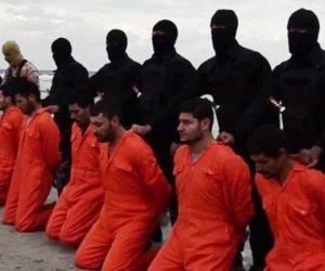 ليبيا تعيد جثث 20 مسيحيا مصريا ذبحهم تنظيم داعش في 2015