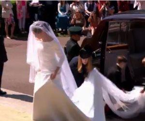 بإطلالة ساحرة.. وصول ميجان ماركل لكنيسة القديس جورج للزفاف على الأمير هاري