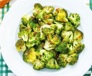 البروكلي والسبانخ.. 9 أطعمة تزيل السموم من الجسم يمكن تناولها في إفطار رمضان تريح المعدة