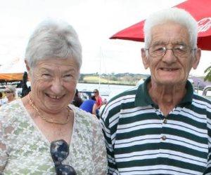 ومن الحزن ما قتل.. زوجان يتوفيان بفارق 9 ساعات بعد حياة استمرت 61 عاما