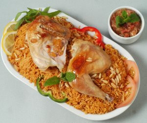 فطارك عندنا.. كبسة الدجاج بالأرز وسلطة المكرونة