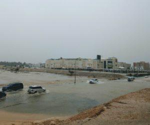 """إعصار """"مكونو"""" يواصل تحركه ناحية سواحل سلطنة عمان (صور)"""