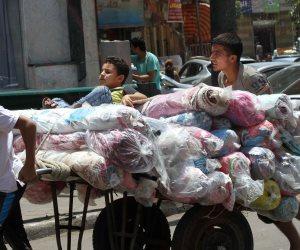 البطن صايمة والإيدين جعانة شغل.. عرق الشقيانين تحت الشمس فى رمضان (صور)