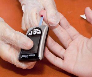 هل انخفاض الجلوكوز بالدم يمثل خطرا على صحتك؟