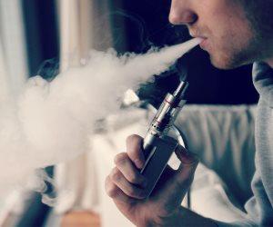 بسبب السجائر الإليكترونية.. تسجيل حالات إصابة فى الرئة فى الولايات الأمريكية