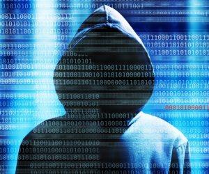 بعد اختراقات هاكرز..  بياناتك الشخصية على الفيس بوك في خطر