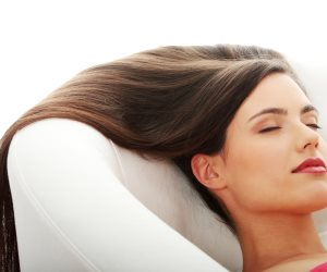 3 وصفات هندية للتخلص من «قشرة الشعر».. تعرفي عليها