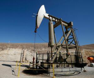 النفط يهبط مجددا بفعل تداعيات الحرب التجارية على الصين