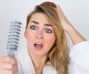 علاج القشرة وفروة الرأس الدهنية بوصفة طبيعية