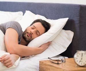 هل تقتلنا السوشيال ميديا ببطء؟.. تحذير جديد من تأثيرات مواقع التواصل على النوم