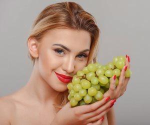 7 فوائد لـ«العنب».. الحفاظ على صحة الجسم والبشرة أهمها