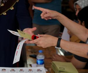 البحرين تنتخب.. بدء التصويت في الانتخابات البرلمانية