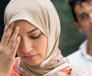الطلاق عبر الأثير.. 5 حالات يقع فيها اليمين