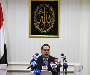 رئيس الوزراء يكلف الداخلية بتطبيق حظر التجوال دون التماس أعذار للمخالفين