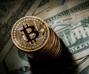 الدولة تمنع «البيتكوين».. مشروع قانون البنك المركزى والجهاز المصرفي يُنظم العملات المشفرة